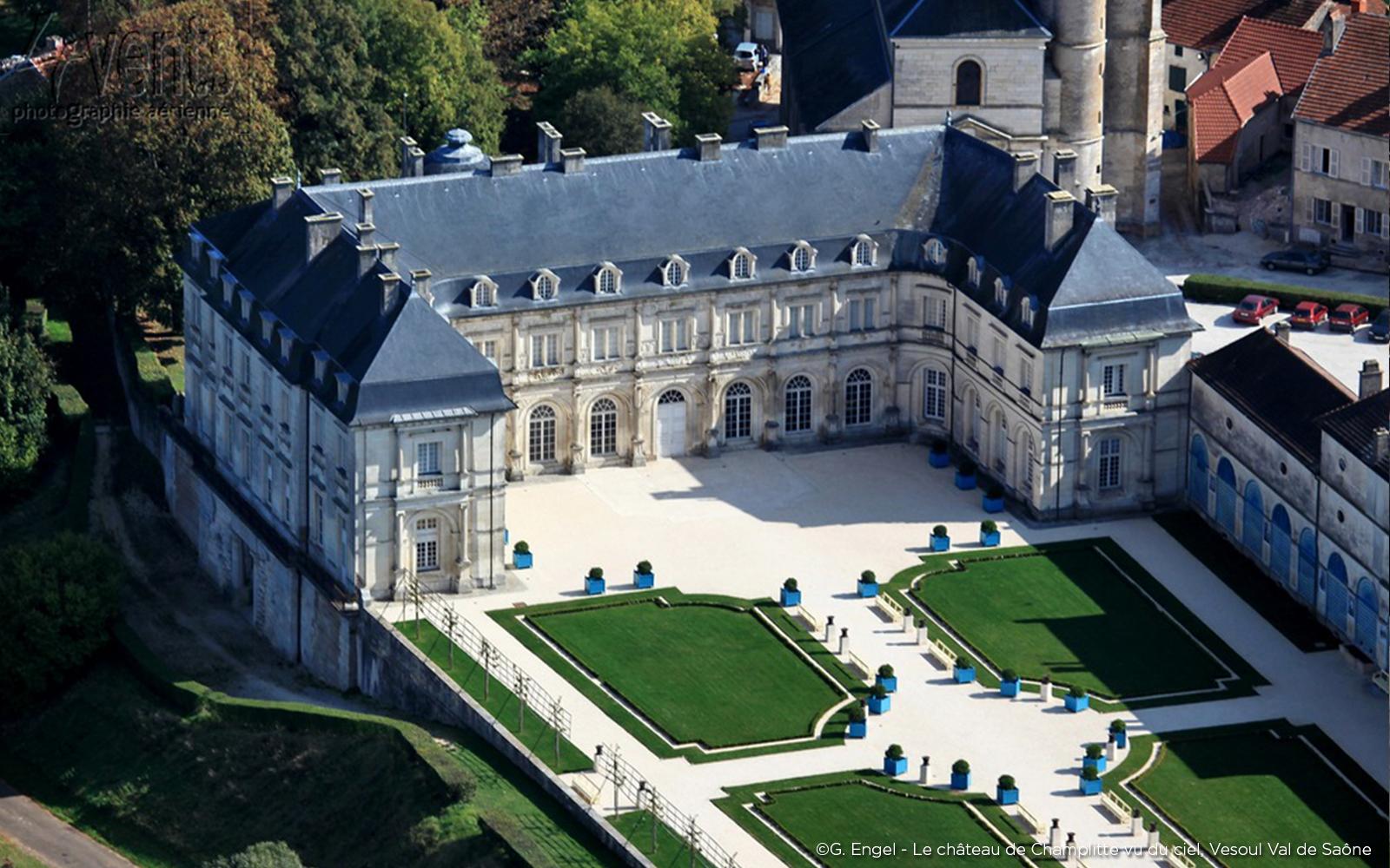 Chateau de Champlitte vue du ciel Val de Saône