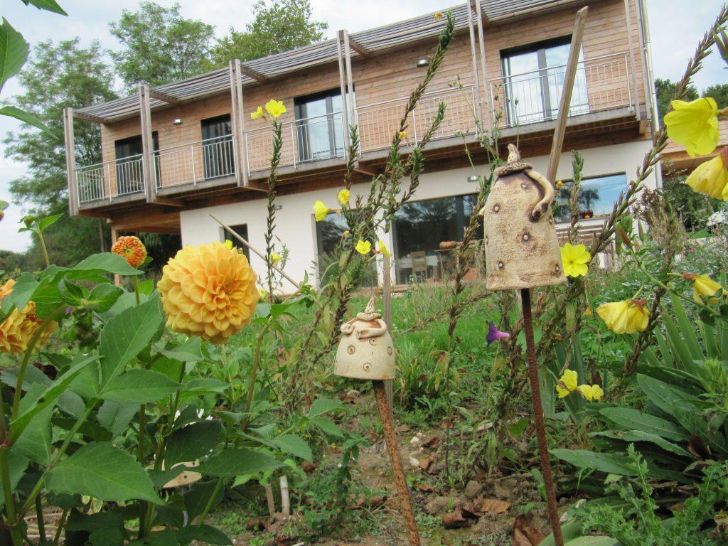 maison écologique fleurs bois