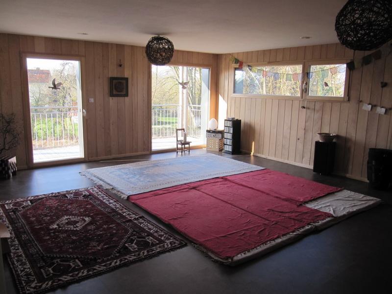 Salle de stage yoga tapis 40m2